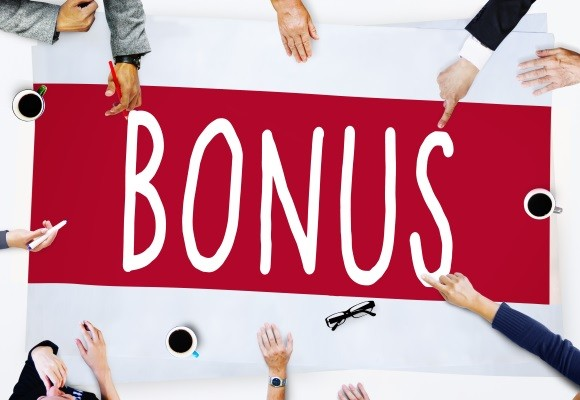 Dret a l'bonus en cas de baixa voluntària abans de la data de la seva meritació