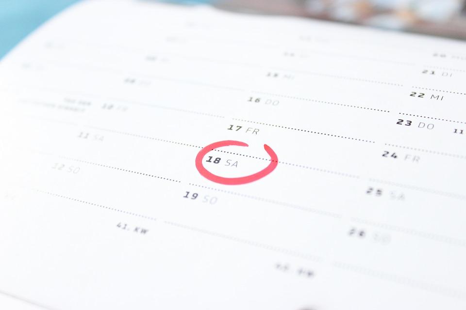Es compensen els dies festius que cauen en dissabte?