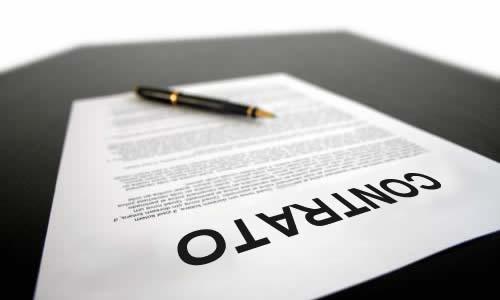 És vàlid vincular el contracte d'obra o servei determinat a la durada d'una contracta si aquesta és molt llarga?