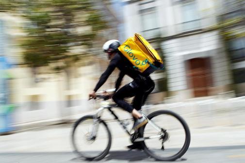 El Tribunal Suprem declara que existeix relació laboral entre Glovo i els 'riders'
