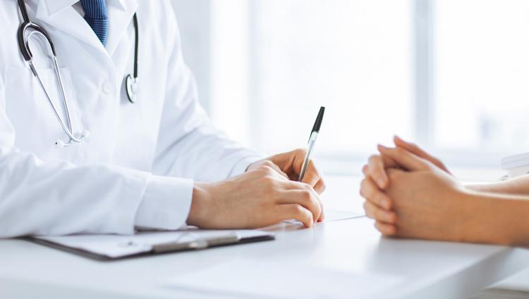 Reconeixement mèdic obligatori a el personal. Negativa per part de l'empleat