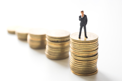 Dret a percebre salaris de tramitació quan es declara l'acomiadament improcedent